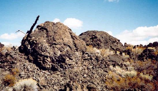 Lava balls on top of an aa lava flow. Myrna Martin