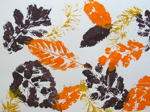 Create leaf placemats in the springtime