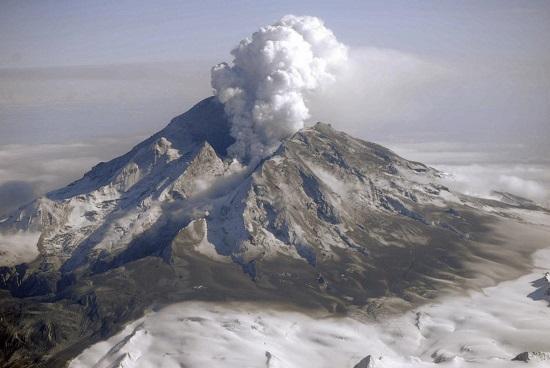 Redoubt Volcano, Alaska