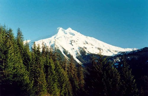 Stratovolcano in the Oregon Cascade Mountains