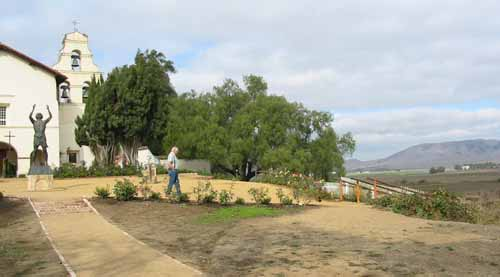 Mission San Juan Bautista sits on boundary of San Andreas Fault. Photo by Myrna Martin